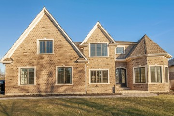 Fine Transitional Home, Glenview, IL by Custom Home Builders: New Construction.