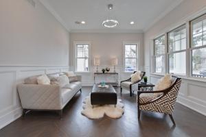 390Jefferson Living Room